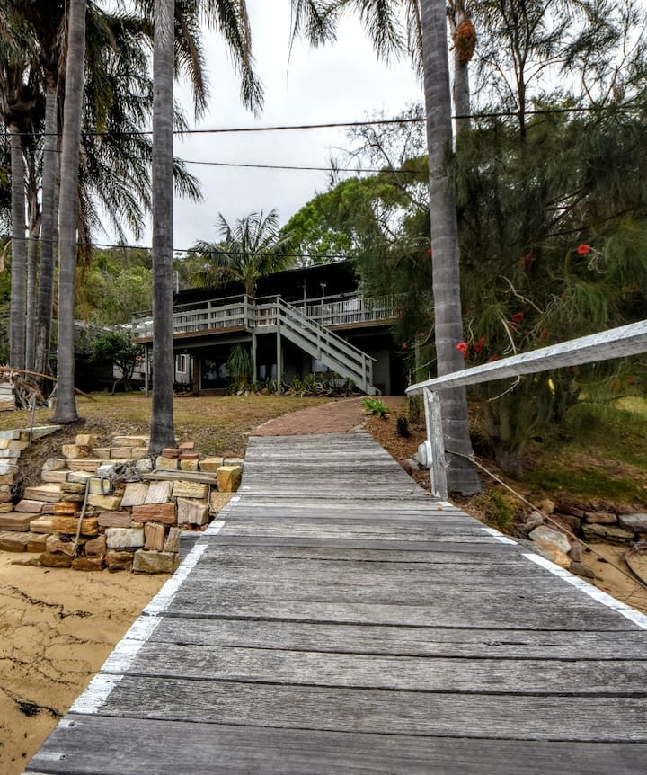 10 Milsons Passage Cottage -Boat access only