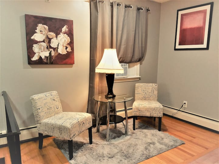KennedyLux4- Qbd clean&comfy 10min to city