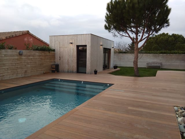 Modern Pool House-Studio  near  Toulouse/Airbus
