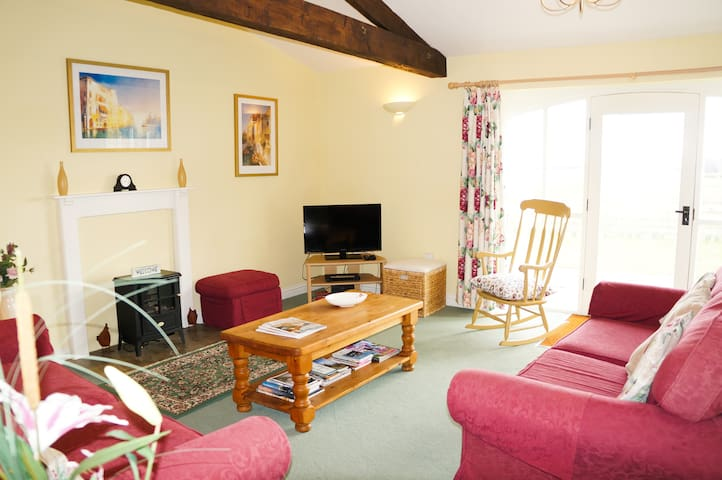 Garth Cottage- family friendly near to Durham City
