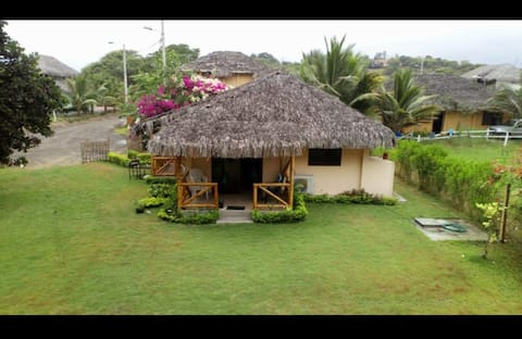 Casa de Campo familiar entre la Playa y el río