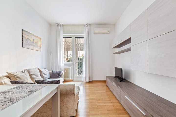 Central & Elegant apartment