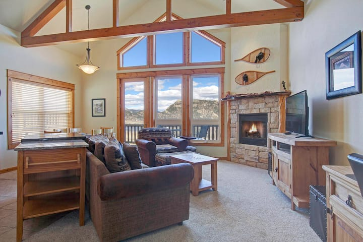 Nisa Mountain 36 - 2 Br condo with Marys Lake and mountain views!