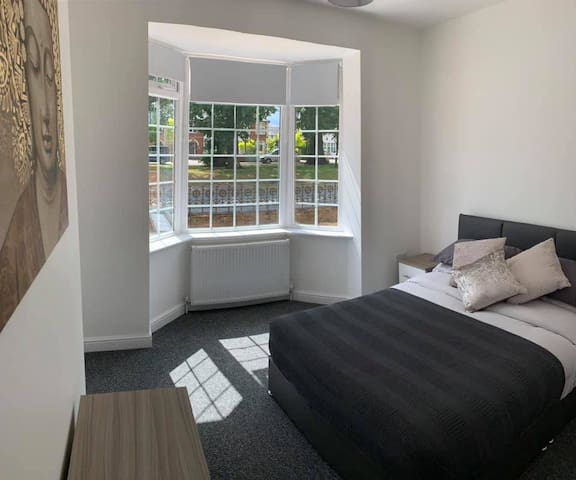 Newly Refurbished Modern Double Room with Ensuite