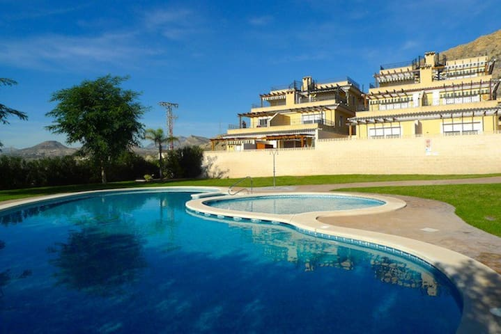 Quiet w/ mountain views 25 min frm Alicante, beach - Mutxamel - Apartment