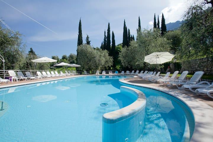 Villaggio Casa e Lago - Letto in Camera Condivisa