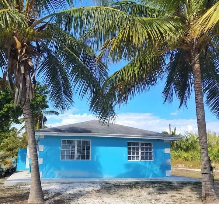 Beautiful Exuma Vacation on a Budget!