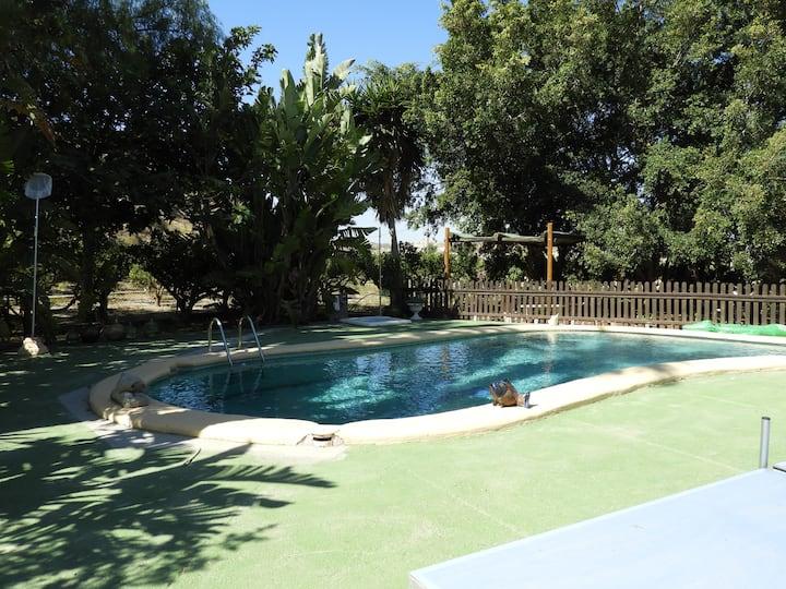 Gemütliches Höhlen-Appartement mit Pool