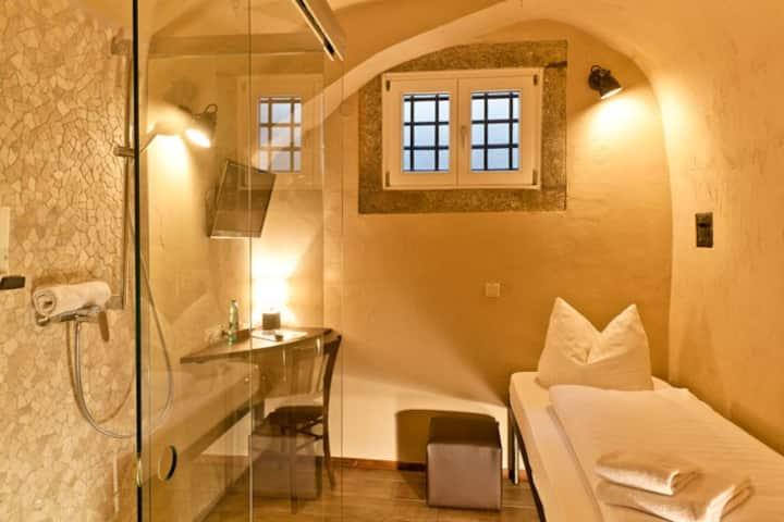Hotel Fronfeste, Fronfeste GbR (Amberg), Einzelzelle - mit kostenlosem WLAN