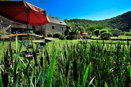 Maison en pierre en plein nature - Lachapelle-Auzac