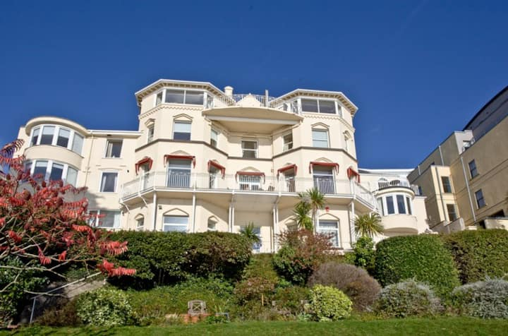 Bay Fort Mansions Apartment, Sleeps 4