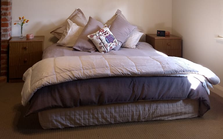 King Size Bed in a Lovely and Comfortable Home