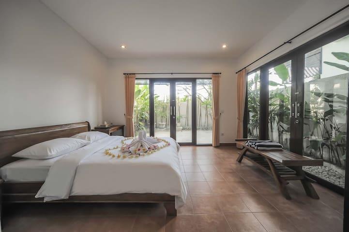 """75% OFF""Sanur Private room 106 W/ terrace&kitchen"