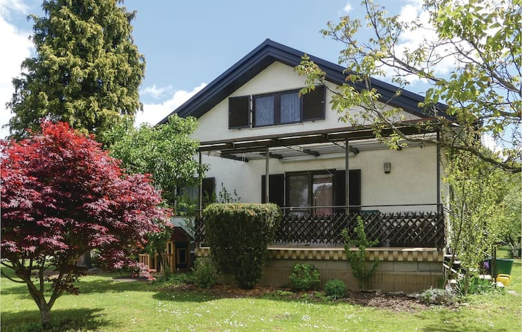 Semi-Detached with 2 bedrooms on 100m² in Hannersdorf