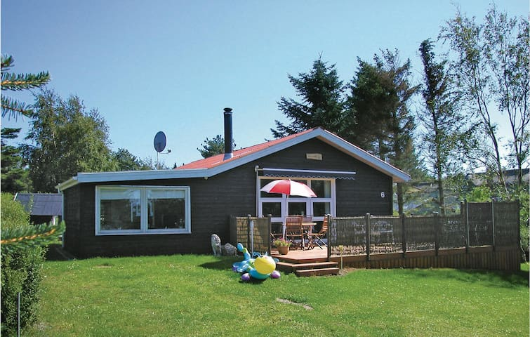 Holiday cottage with 3 bedrooms on 76 m² in Farsø