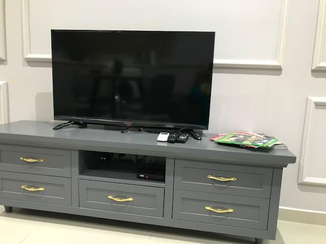 Tv with astro njoi..
