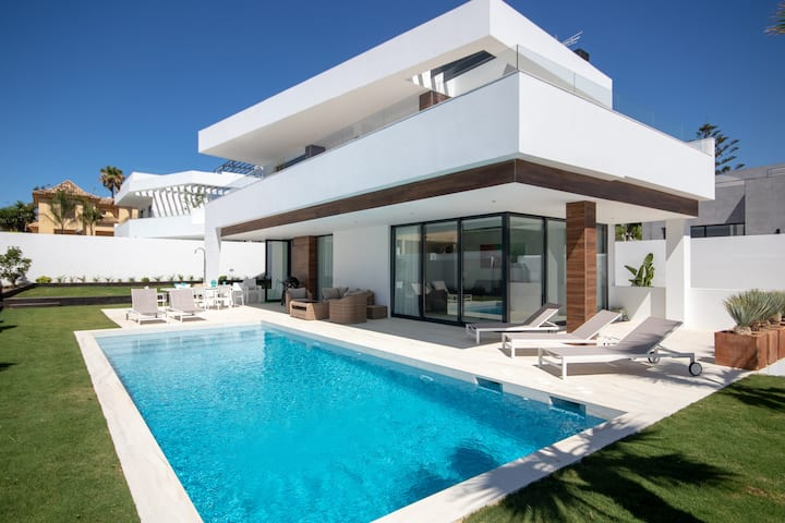 Luxury Villa, private pool close to Puerto Banus