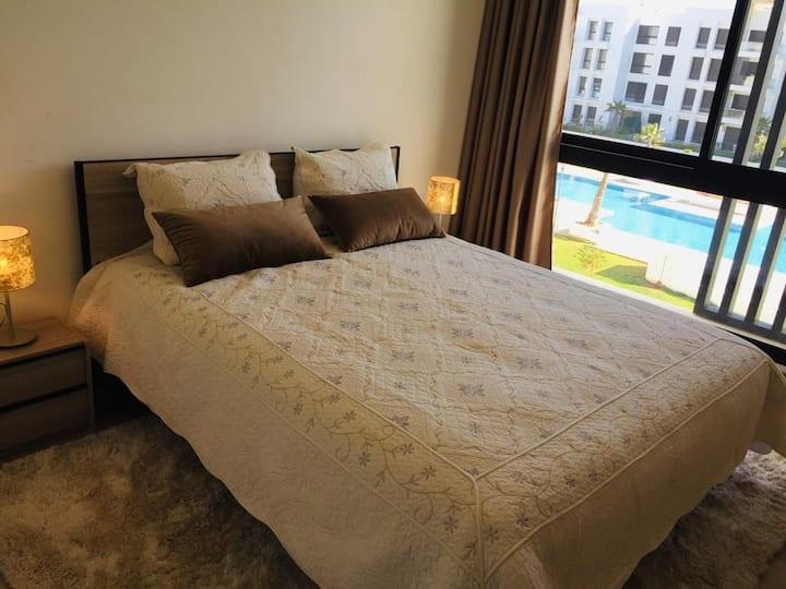 Luxueux appartement ensoleillé à plage des nations