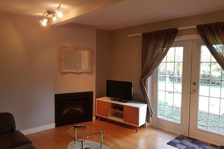 One bedroom suite in wine country - Saanichton - アパート