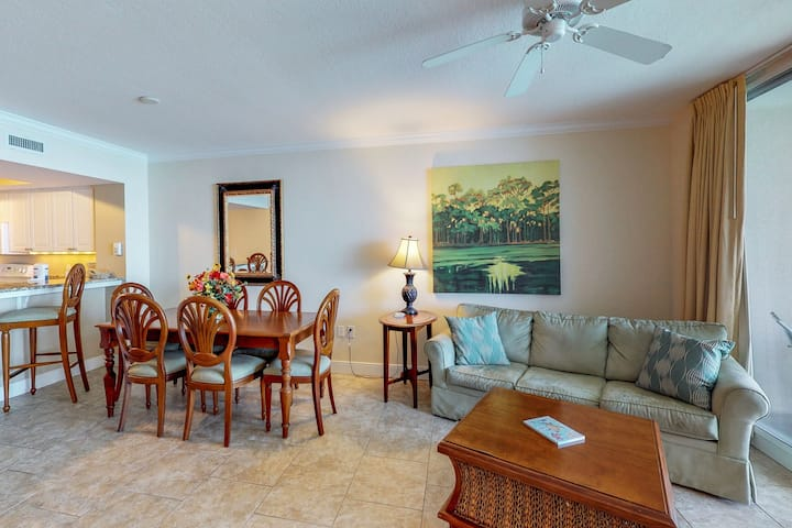 Stunning oceanfront condo w/shared pool and hot tub, views and more