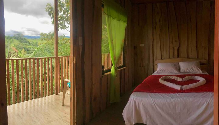 Bosque de Paz Cabina - Fila Naranjo, Costa Rica