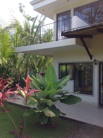 Near the park, beach, restaurants - Quepos - Condominium