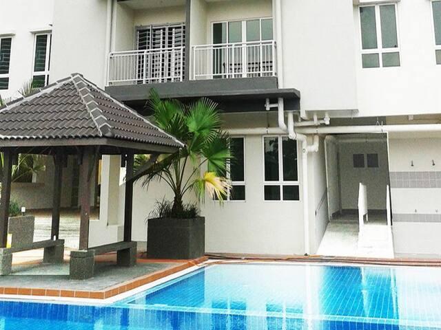 New Condo: 50m from LRT - Kuala Lumpur - Apartamento