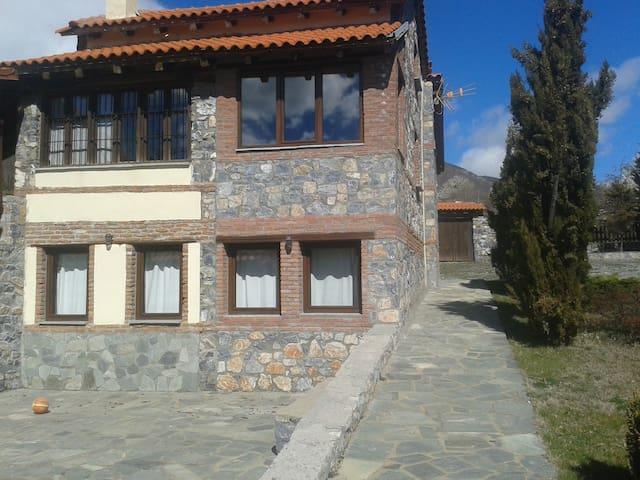 Απόδραση στο βουνό - Agios Athanasios - Casa