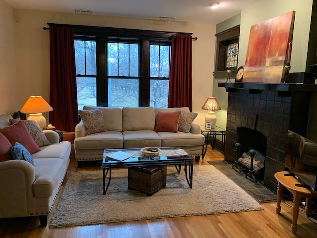 Vintage 2 Bedroom With Tower Grove Park View