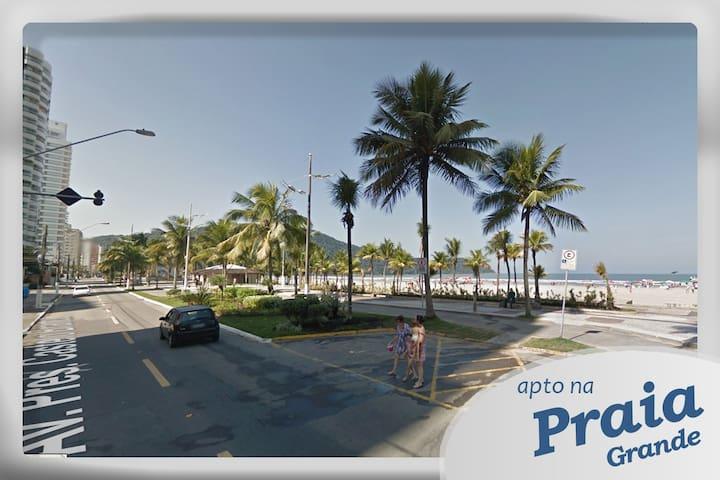 Apto a uma quadra da Praia do Forte - Praia Grande - Wohnung