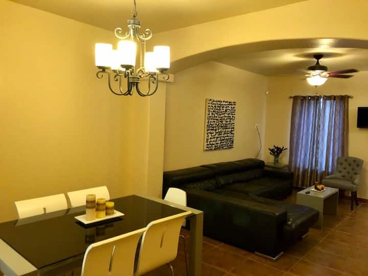 Condo near airport and mall!