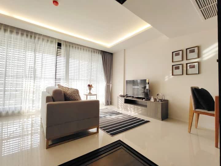 CENTRAL BANGKOK +2 beds@BTS Asok&MRT SUKHUMVIT(08)