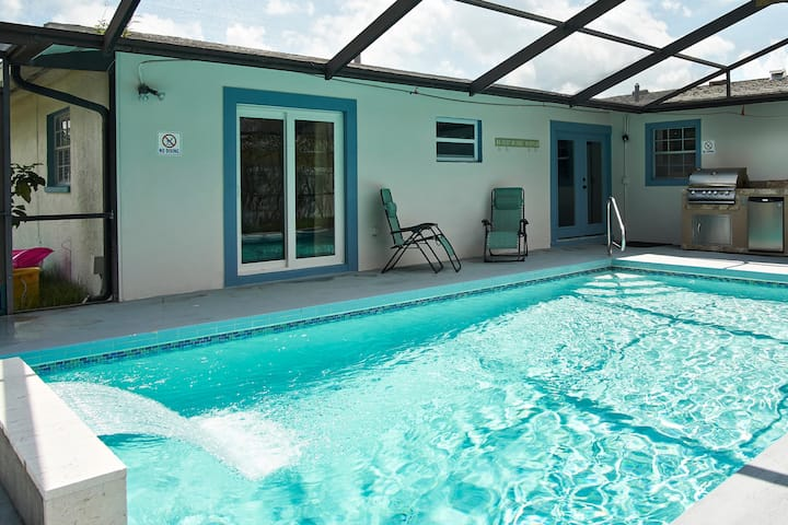 Vacation heated pool home 3 miles to gulf beaches