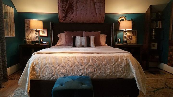 Comfort Awaits -  Buffalo & Niagara Falls