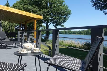 Dom wakacyjny SIELSKIE SIOŁO nad jeziorem (5 osób)