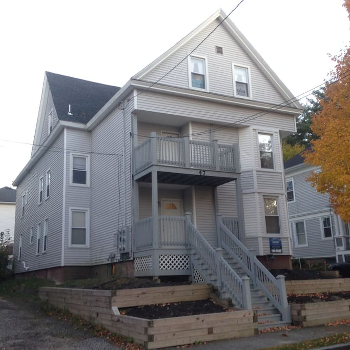 Two bedroom apt near bates college apartments for rent for Inlaw suites for rent near me