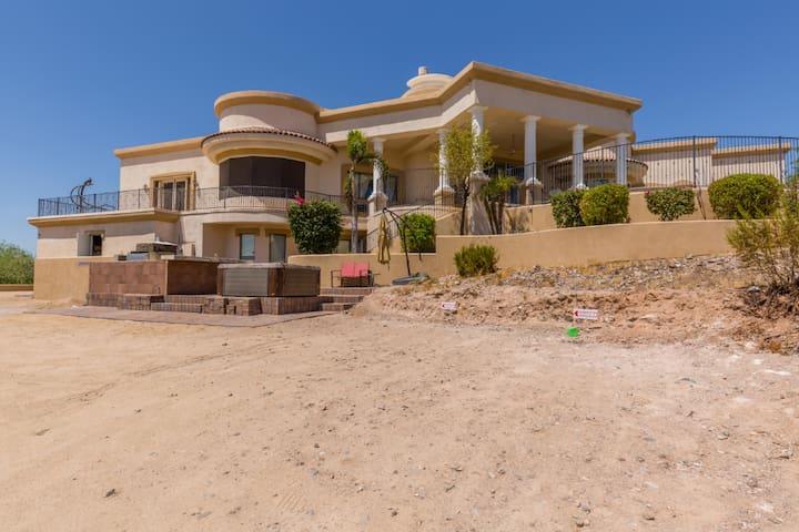 Hillside Estate Suite/Views/Outdoor Experience