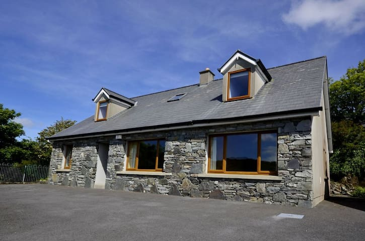 Cottage 173 - Clifden