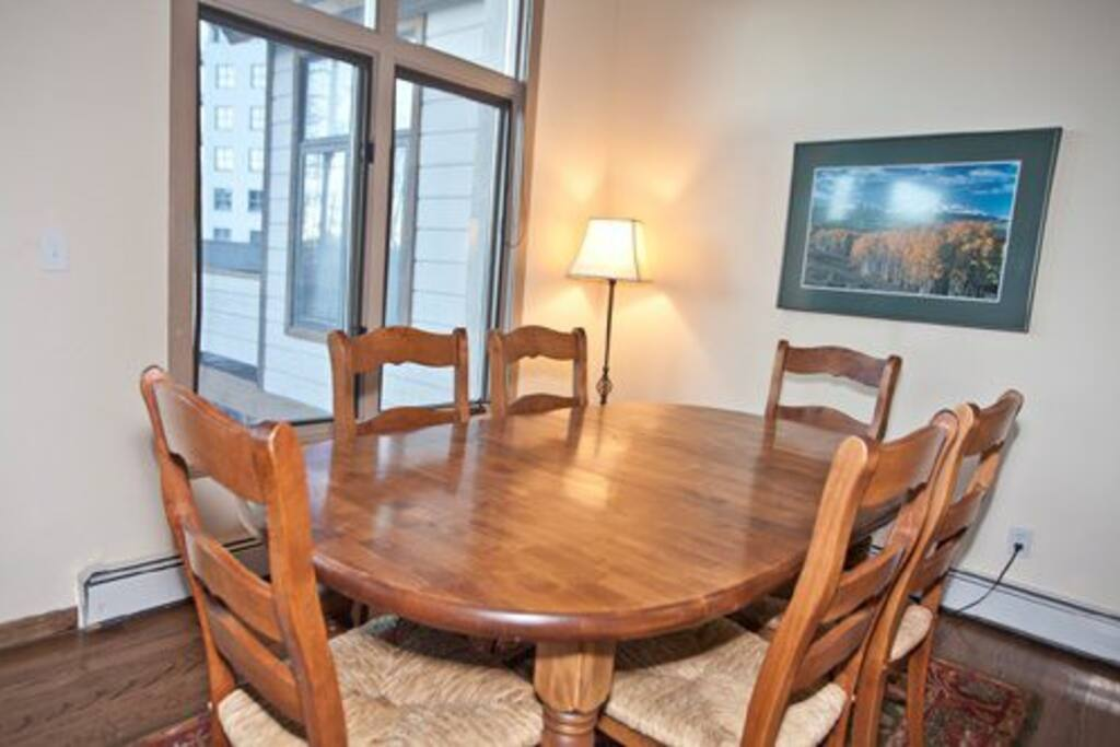 Dining Area - Seating for 6