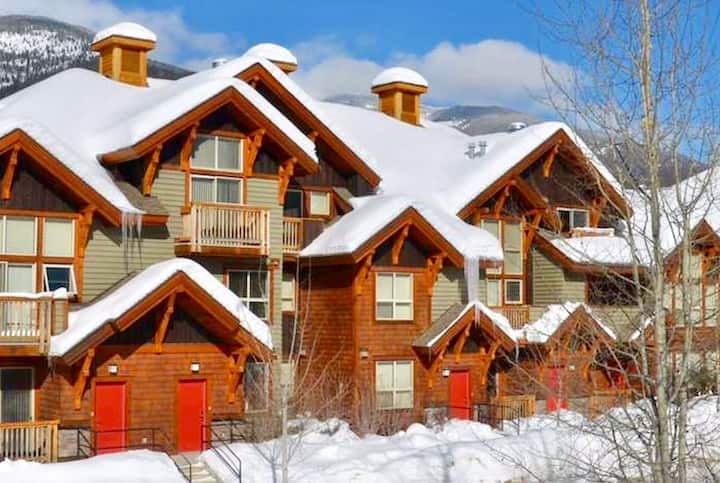3BDRM Lookout Townhome. Great ski vacation!