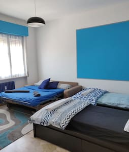 HelloGuestHouse (BlueRoom)