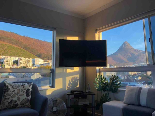 Amazing Views Fully Equipped DSTV fast WIFI secure