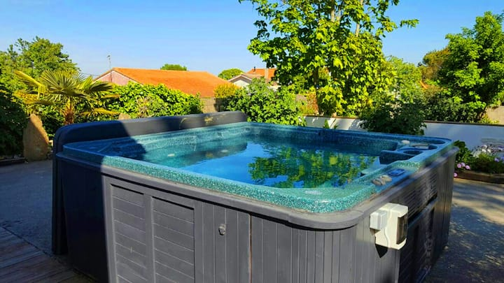 Relax and Cosy Home near beaches with a Spa