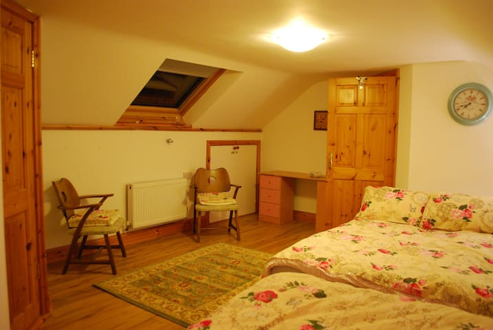 Walker's Attic  Suite with breakfast