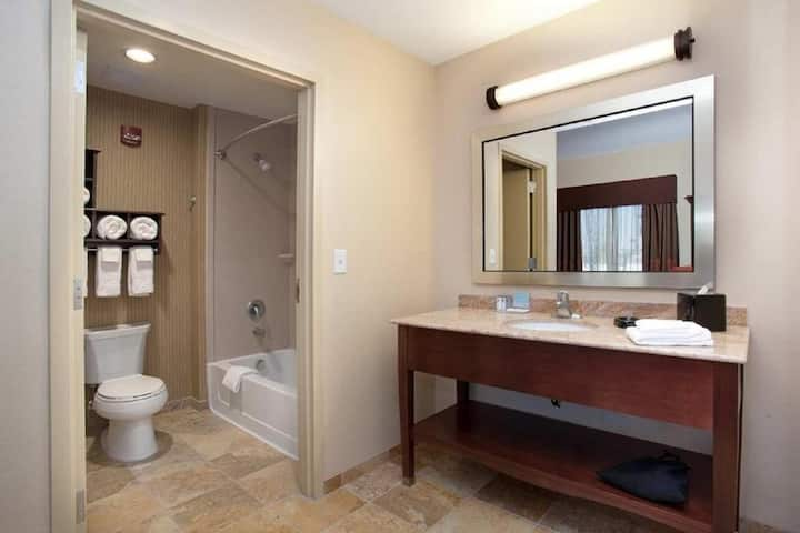 Marvelous Double Bed Non Smoking At Cherry Creek - Glendale