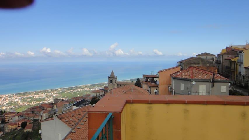 Casa con vista panoramica - San Marco D'alunzio - Huis