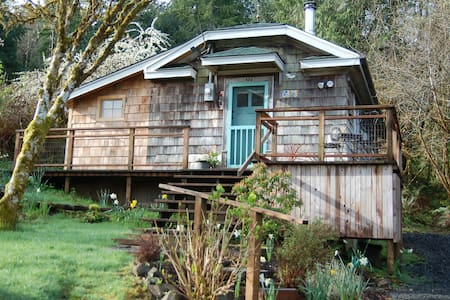 The Cabin at Willapa Bay