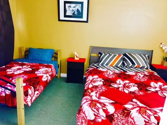 4.3 Great Big Bedroom near Universal Studios!