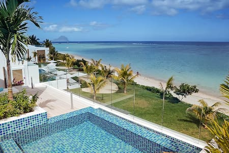 Beachfront Luxury Penthouse - Flic en Flac - Apartament