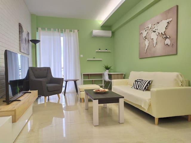 Elegant and Spacious 75m² Apt in Argyroupoli